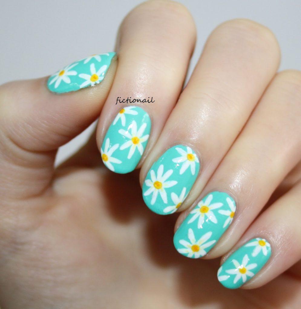 Spring Daisy Nail Design