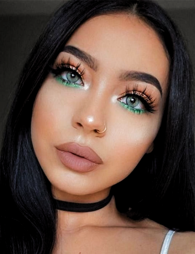 Gold And Green Eyeshadow Look