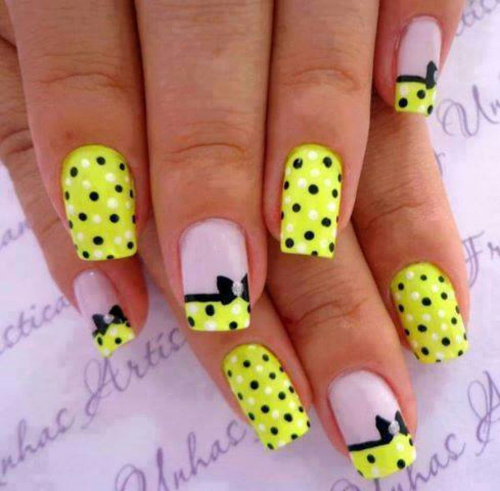 Polka Dots Nail Art Design