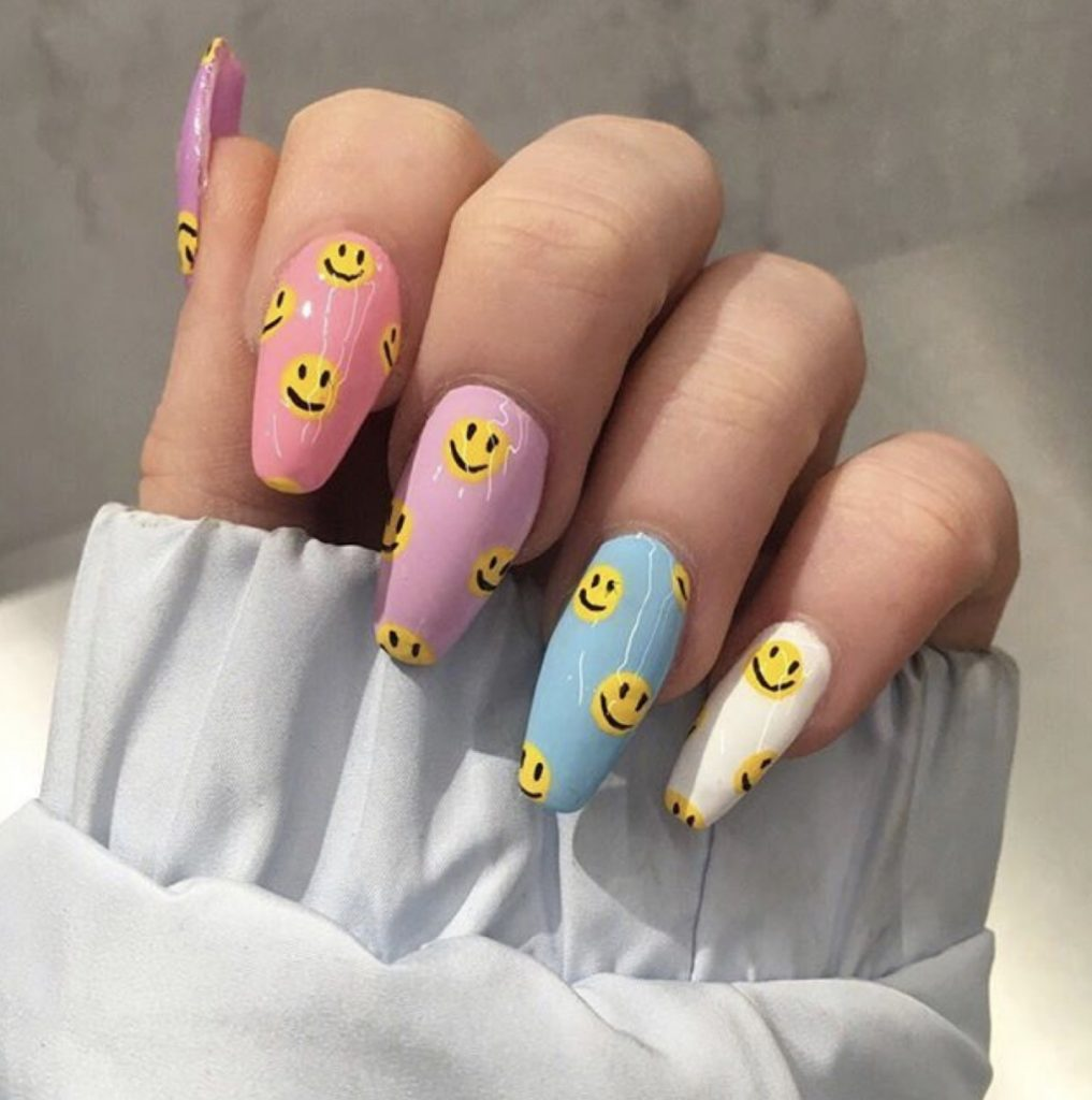 Smiley Emoji Nails