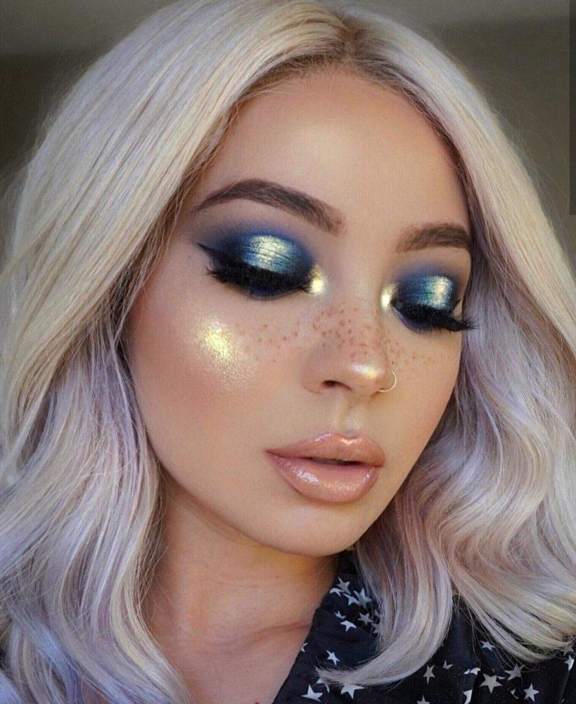 Glittering Calm Blue Eyeshadow