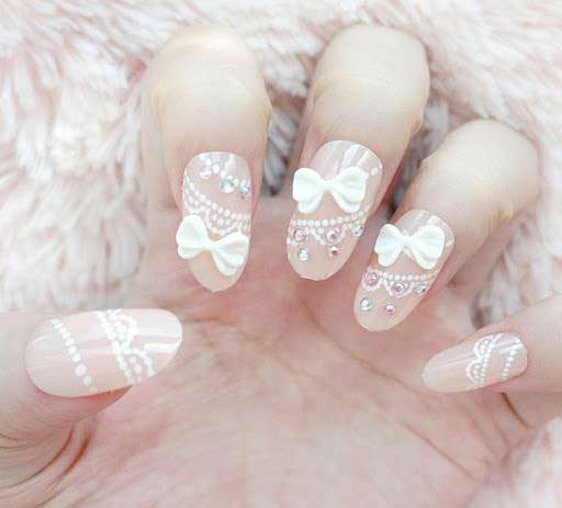 White lace nail design