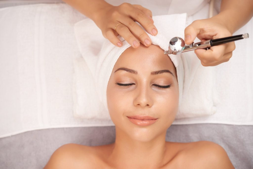 7 Oxygen Facial Benefits You Should Know
