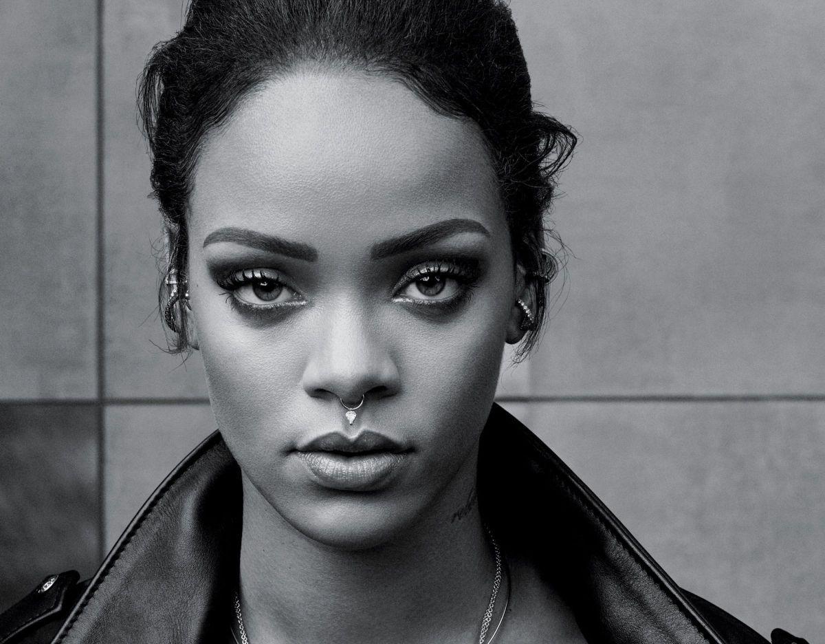 Rihanna Septum Piercing